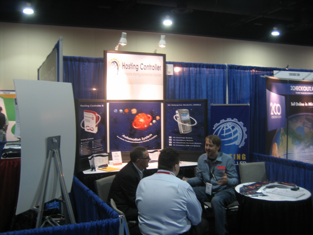 hosting-controler-booth-hostingcon2009