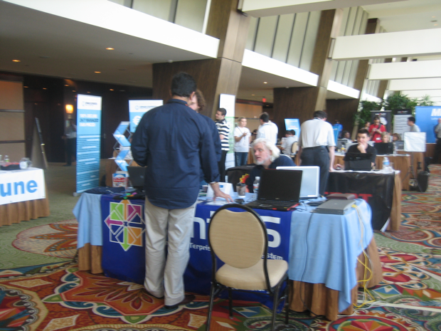 centos-booth-cpanel-conference