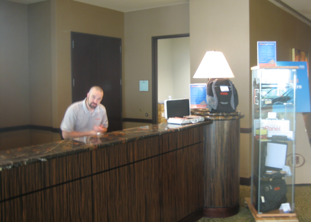 eric-of-cpanel-on-the-registration-desk